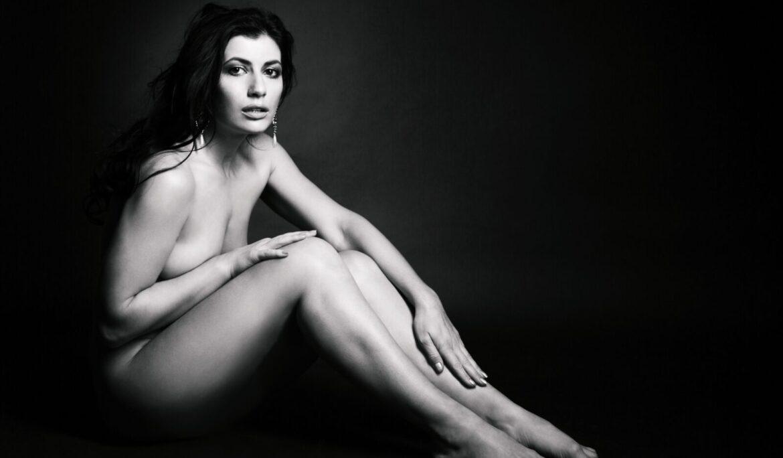 Ženy začaly nosit umělé prsa – co na to odborníci?
